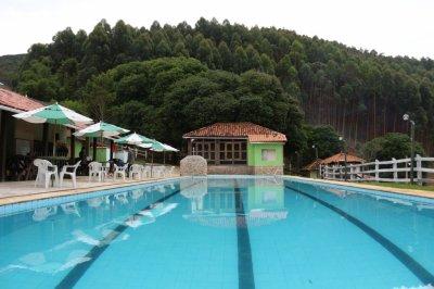 piscina-semi-olimpica-hotel-fazenda